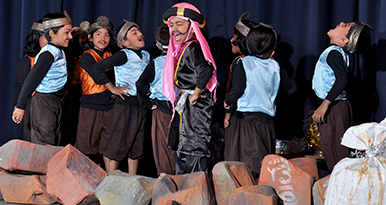 We celebrate our School Day in a grand manner with a lot of energetic dance and drama performances, making a dhamaka!